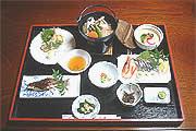 入り口:fukujukan-entrance.jpg,お風呂:fukujukan-bath.jpg,お料理:fukujukan-dinner.jpgお料理